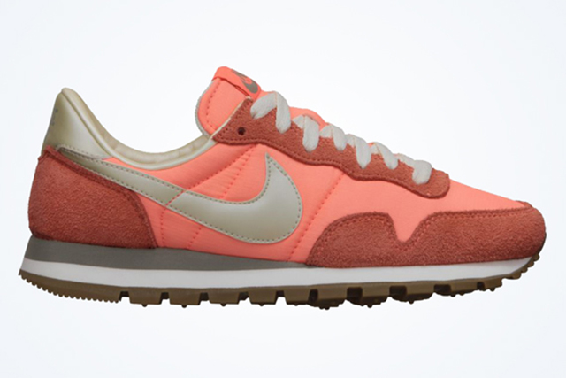 nike-wmns-air-pegasus-83-atomic-pink-1