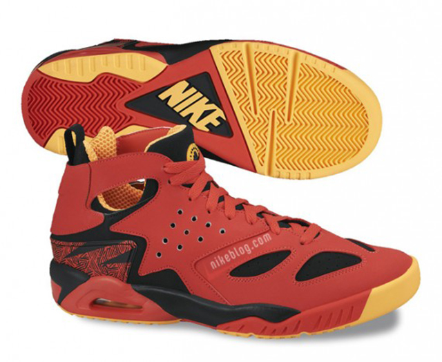 nike-air-tech-challenge-huarache-upcoming-releases-01-570x467