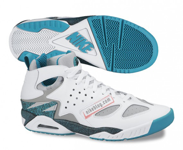 nike-air-tech-challenge-huarache-upcoming-releases-02-570x467