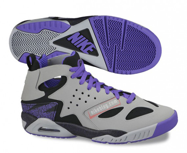 nike-air-tech-challenge-huarache-upcoming-releases-03-570x467