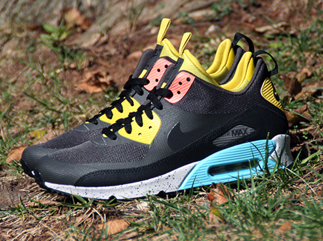 nike-air-max-90-sneakerboot-available-1
