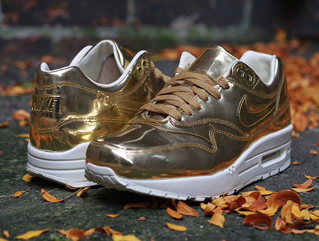 nike-wmns-air-max-1-liquid-gold