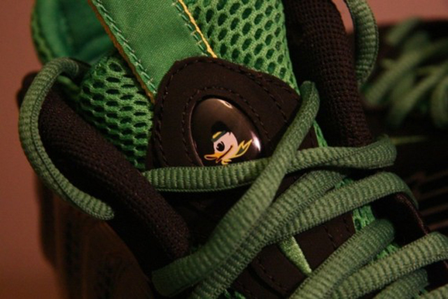 nike-air-foamposite-one-oregon-ducks-on-ebay-07-570x380